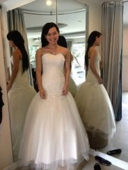 Drop waist sweetheart wedding dress made of lace and tulle.